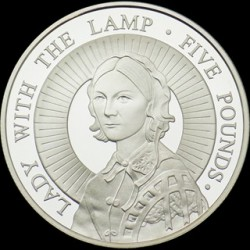 "Moneta > 5 sterline, 2004 - Alderney  (Florence Nightingale ""The Lady with the Lamp"") - obverse"