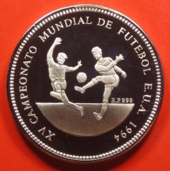 Moneda > 1000dobras, 1994 - Santo Tomé y Príncipe  (Copa de la FIFA 1994 / dos jugadores de fútbol/) - obverse