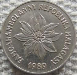 Coin > 5francs, 1966-1989 - Madagascar  - obverse