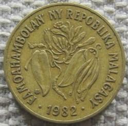錢幣 > 10法郎, 1982 - 馬達加斯加  - obverse
