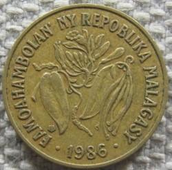 Monēta > 10franku, 1986 - Madagaskara  - obverse