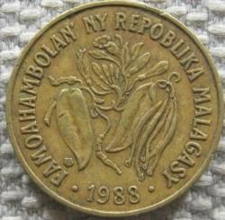 Moeda > 10francos, 1988 - Madagáscar  - obverse