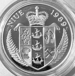 Moneda > 50dólares, 1989 - Niue  (XXV Summer Olympics games, Barcelona 1992 - Rowing) - obverse