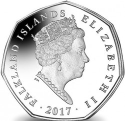 Moneda > 50 peniques, 2017 - Islas Malvinas  (Northern Rockhopper Penguin (Eudyptes moseleyi) /with a raised tuft/) - obverse