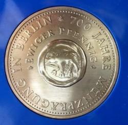 Moneda > 10marcos, 1981 - Alemania - RDA  (700º Aniversario - Emisión de moneda en Berlín) - reverse