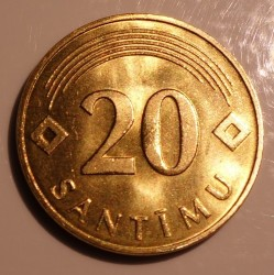 מטבע > 20 סנטים, 1992 - לטביה  (Brass plated Steel /magnetic/) - obverse