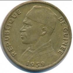 Moneda > 10francos, 1959 - Guinea  - obverse